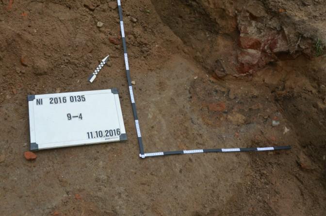 Die Fundstellen werden sorgfältig markiert / Foto: Stadt Krefeld / Presseamt