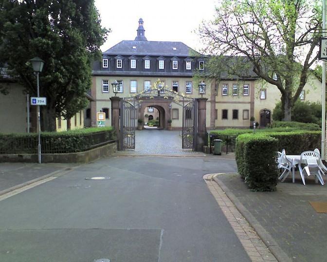 Der Archivbau von Schloss Birstein / Foto: Wikipedia / Sarkana / FAL