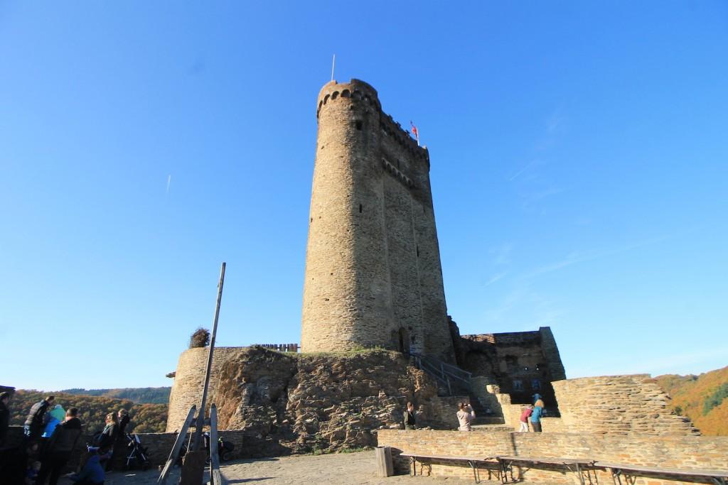 Der Bergfried der Ehrenburg / Fotos: Burgerbe.de