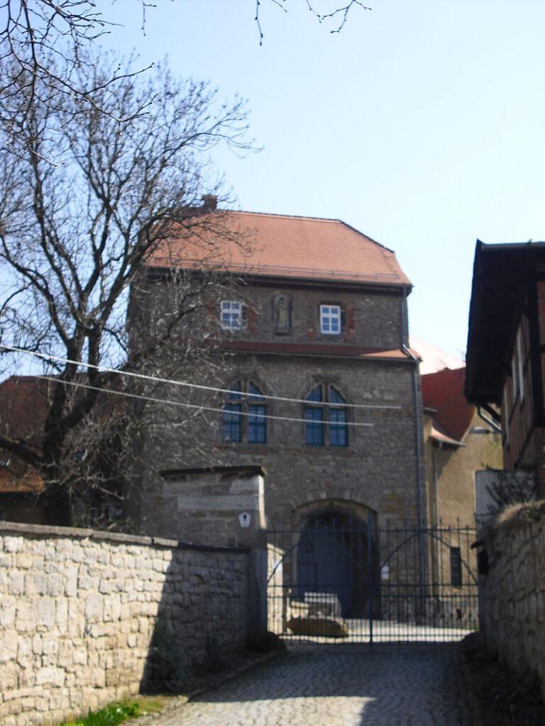 Der Eingang zur Ordensburg Liebstedt / Foto: gemeinfrei
