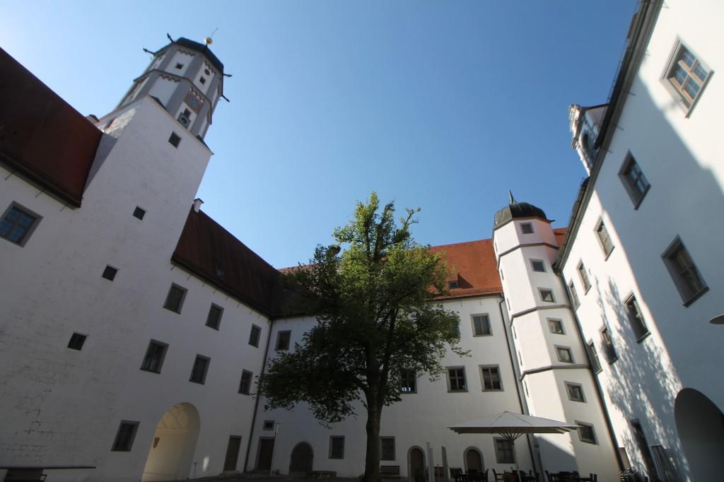 Innenhof von Schloss Höchstädt / Fotos: Burgerbe.de