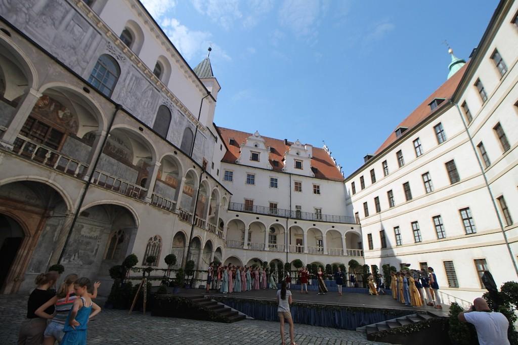 Innenhof von Schloss Neuburg / Fotos: Burgerbe.de