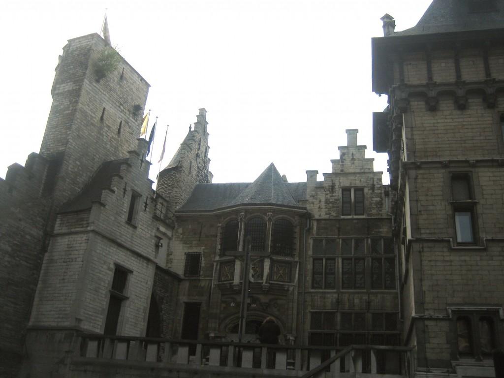 Hofseite von Burg Steen.