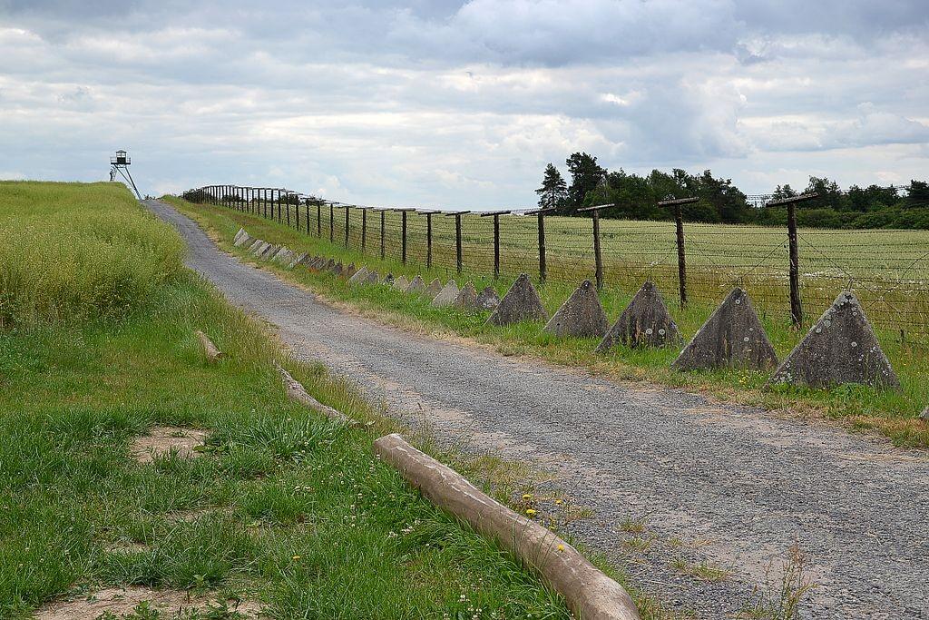 Erhaltenes Stück Grenzzaun zwischen Österreich und der Tschechei / Foto: Wikipedia / Pudelek / CC-BY-SA 3.0