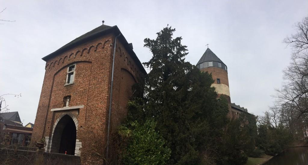 Burg und Torhaus / Foto: Burgerbe.de
