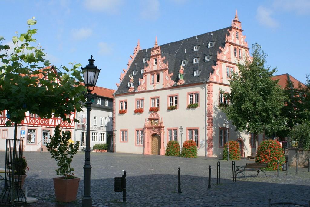 Auch das Groß-Umstädter Rathaus stammt aus der Renaissance / Foto: Reiner Michaelis / CC-BY-SA 3.0