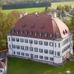 Brand auf Schloss Waal: Wirtschaftsgebäude zerstört