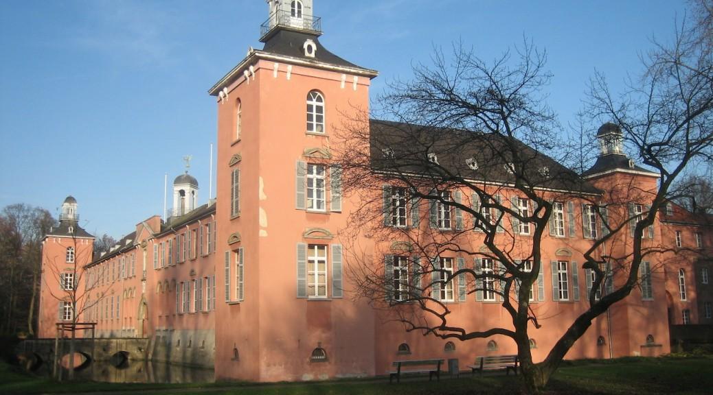 Schloss Kalkum im Norden von Düsseldorf ist zu verkaufen