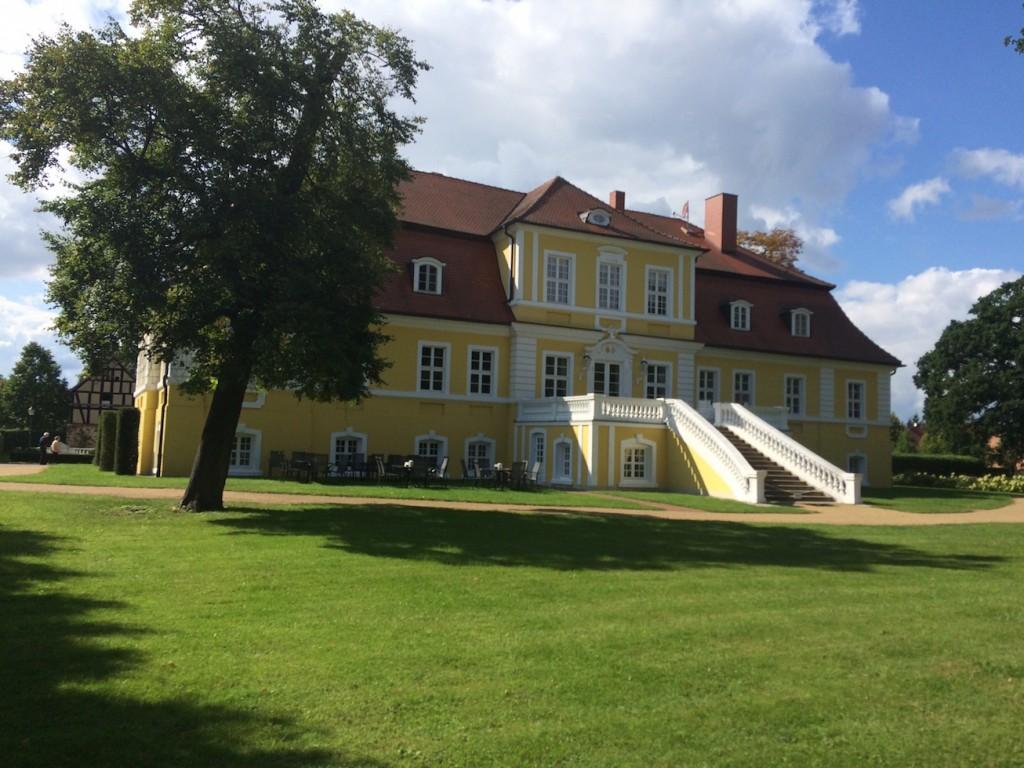 Rückseite von Schloss Döbbelin