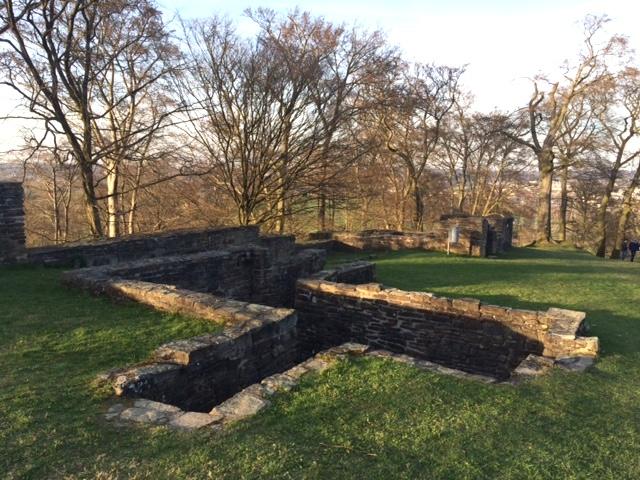 Die Isenburg wurde zum Teil bis auf die Grundmauern abgetragen / Foto: Burgerbe.de