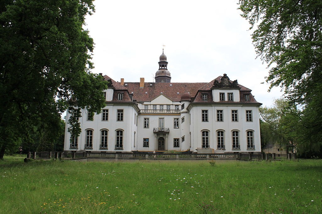 Parkseite von Schloss Lindenau / Foto: Wikipedia / LutzBruno / CC-BY-SA 3.0 / Foto oben: Wikipedia /  Z thomas / CC-BY-SA 3.0