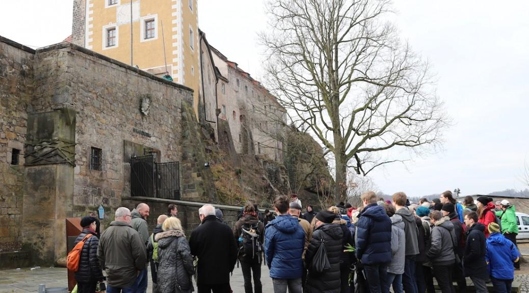 Gedenken auf Burg Hohnstein / Foto: AKuBiZ e.V.