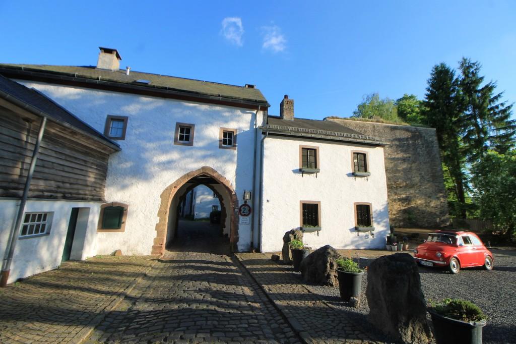 Tor zum Burgort Kronenburg
