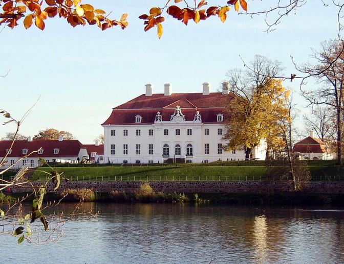 Seeseite von Schloss Meseberg / Foto: Wikipedia / Doris Antony / CC-BY-SA 3.0