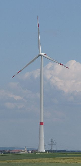 Ein Windrad soll 2600 Meter von Burg Schwalbach entfernt aufgestellt werden. Symbolfoto: Wikipedia / Rr2000 / CC-BY-SA 2.0