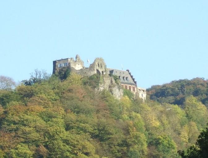 Schloss Veldenz entging einem größeren Brand. Foto: Wikipedia / Mosella / CC- BY-SA 3.0 / Foto oben:  Foto: Berthold Werner / CC-BY-SA 3.0