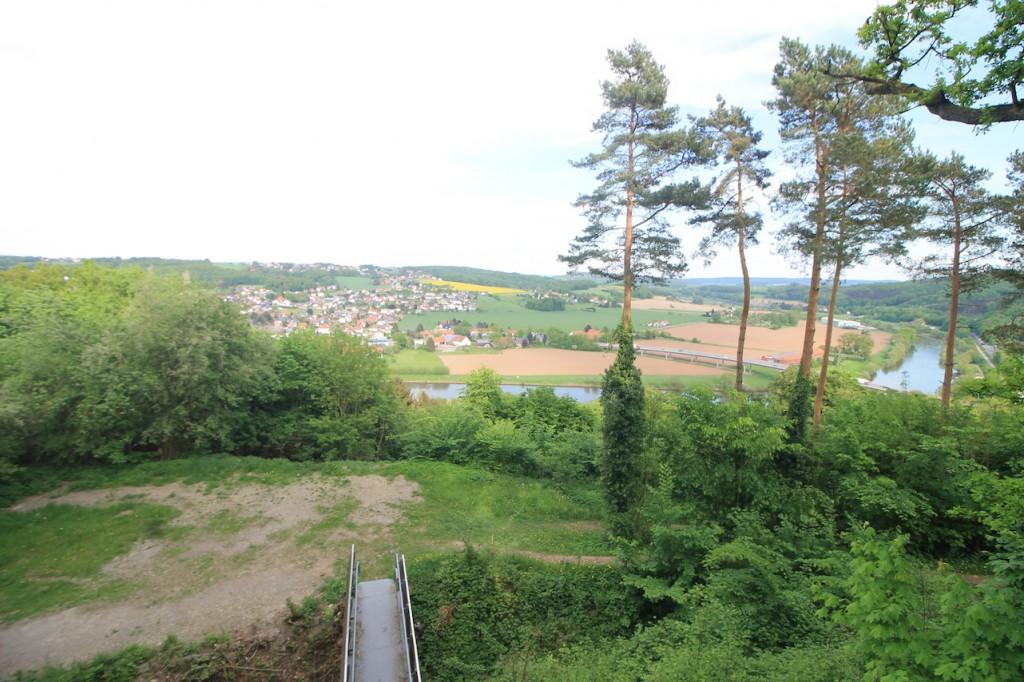 Aussicht vom Burgberg über die Weser