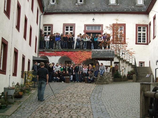 Der Innenhof der Jugendherberge Burg Bilstein / Foto: Wikipedia / Simplicius / CC-BY-SA 3.0