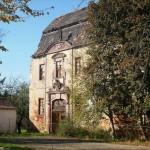 Wo wird ein halbes Schloss ab 1000 Euro versteigert?