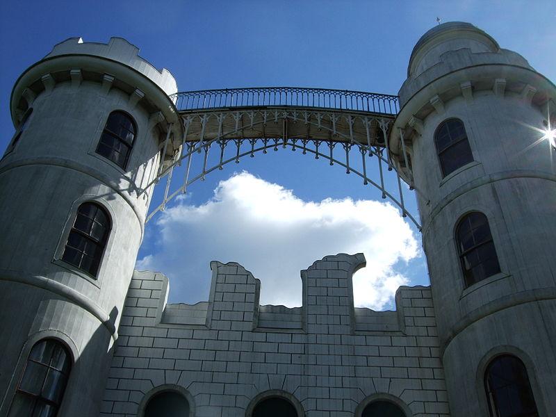 Die Fassade von Schloss Pfaueninsel muss saniert werden / Foto; Wikipedia / Christiane taeubchen / CC-BY-SA 3.0
