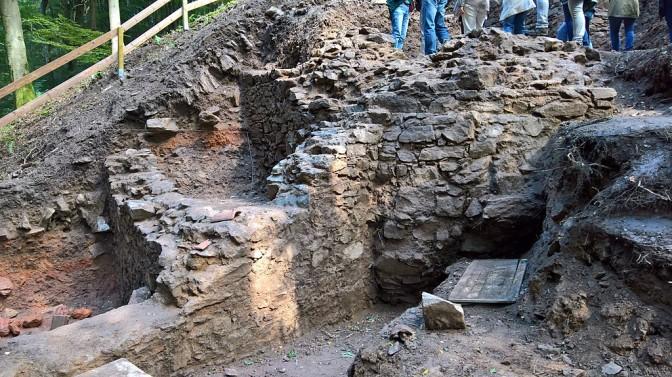 Ausgrabung der Burg Hauenstein 2017 - ebenfalls durch Spessartprojekt und Verein. Foto: Wikipedia / Commander-pirx / CC-BY-SA 4.0