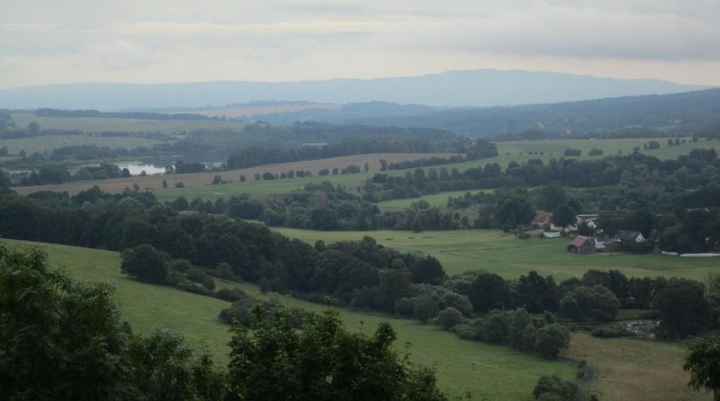 Blick von der Burg Hohenberg ins Egerland / Foto: Wikipedia / Corradox / CC-BY-SA 3.0
