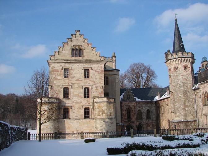 Schloss Reinhardsbrunn im Schnee
