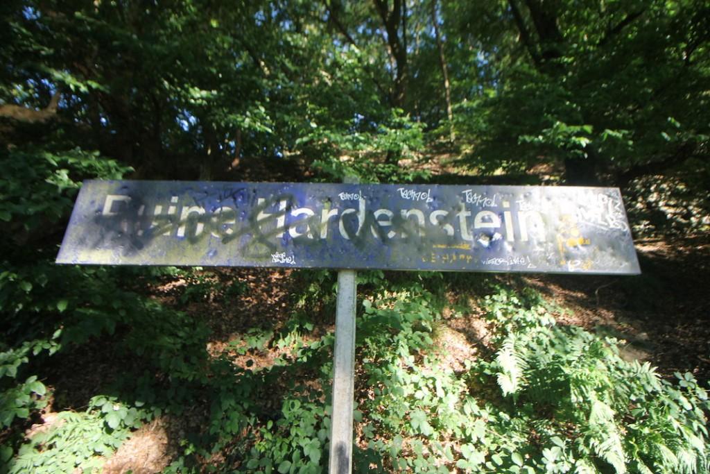 """Haltestelle """"Ruine Hardenstein"""" der Ruhrtalbahn"""