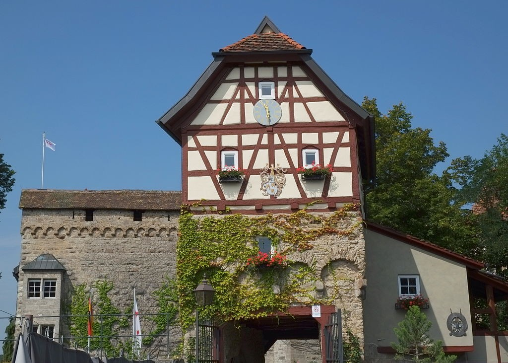 Malerisch: Schloss Stetten in Künzelsau / Foto: Wikipedia / Reinhardhauke / CC-BA-SA 3.0 / Foto oben: Wikipedia / OfficevonStetten / CC-BY-SA 3.0