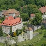 Brand auf Schloss Stetten-Gelände: 400.000 Euro Schaden