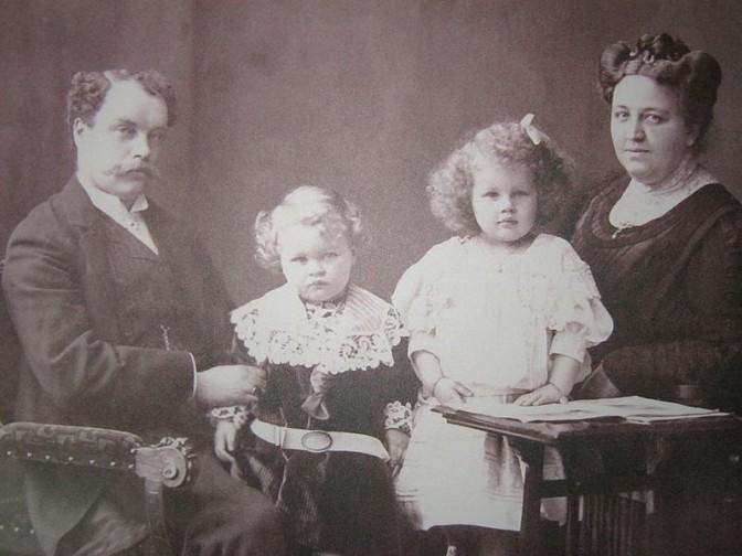 Schloss-Bauherr von Waldthausen mit Familie / Bild: gemeinfrei