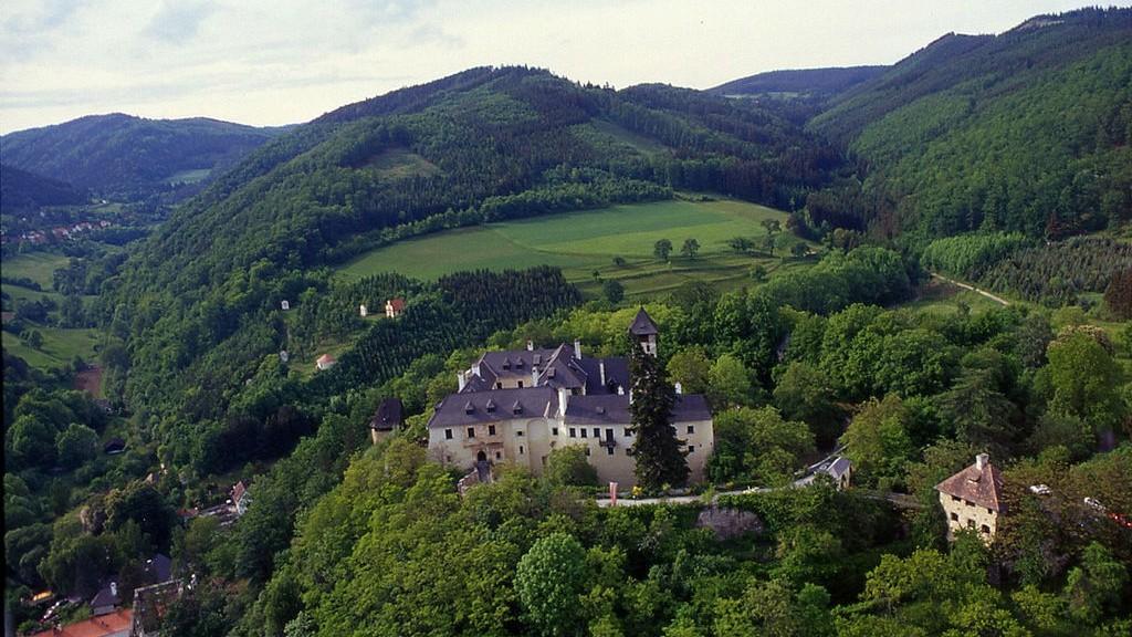 Burg Oberranna stand für 5 Millionen Euro zum Verkauf / Foto: Wikipedia / Lydia Nemetz / CC-BY-SA 3.0
