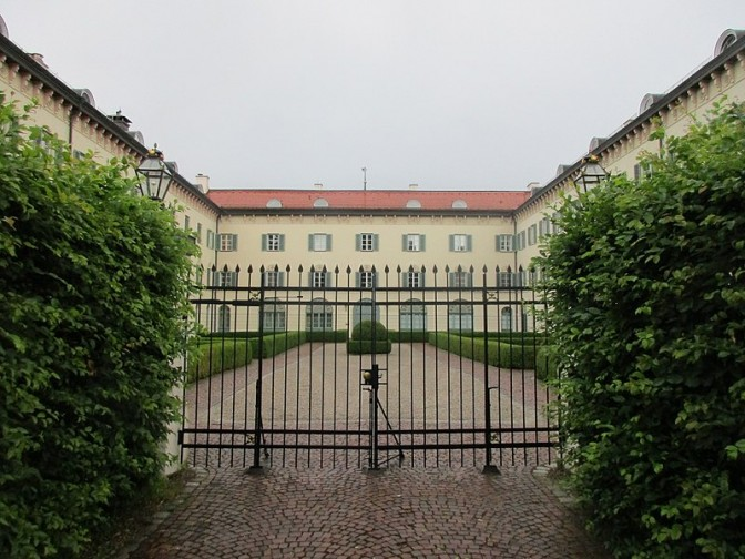 Schloss Possenhofen: Zutritt nur für Bewohner und ihre Gäste / Foto: Wikipedia/Arnaud25 / CC-BY-SA 4.0