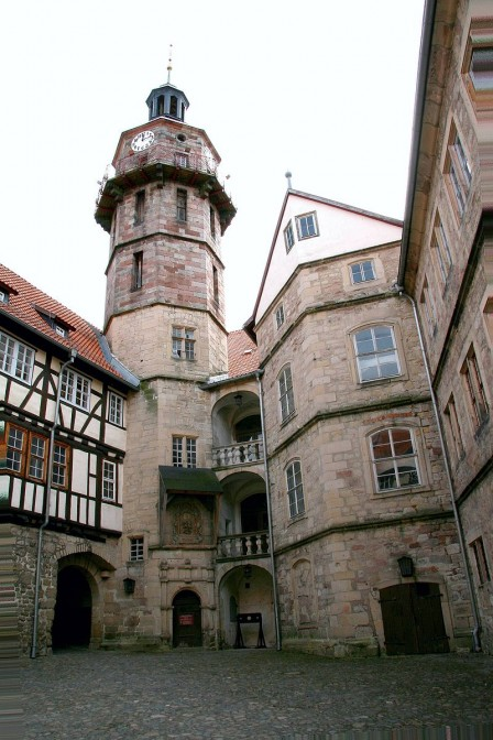 Der 36 Meter hohe Turm von Schloss Bertholdsburg / Foto: Wikipedia / Krajo / CC-BY-SA 3.0