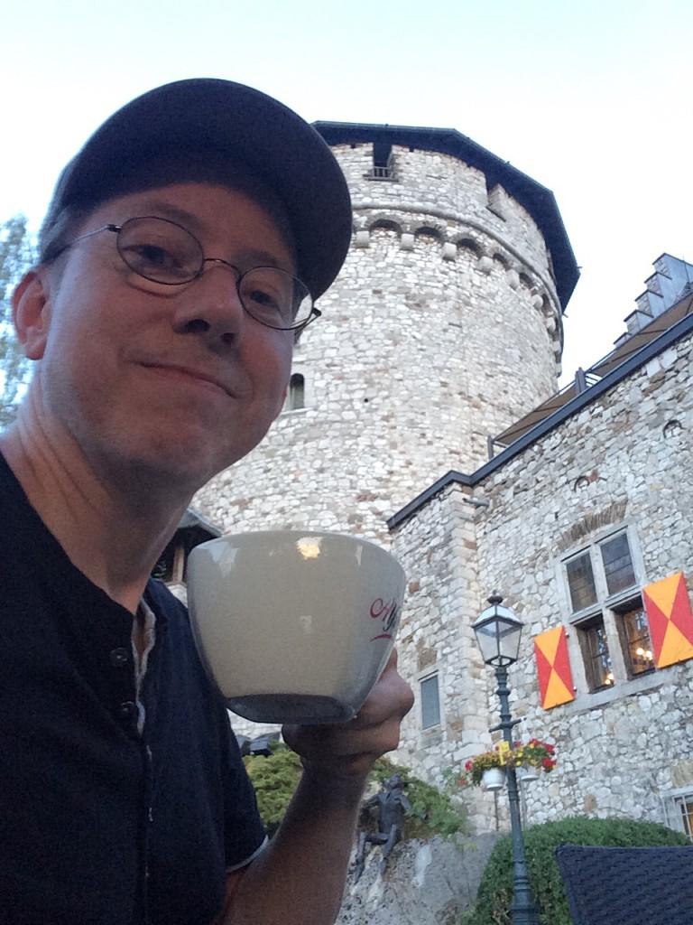 Zum Kaffee auf Burg Stolberg / Bild: Selfe
