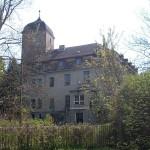 Immobiliengesellschaft kauft verfallendes Schloss Pouch: Wohnungen geplant