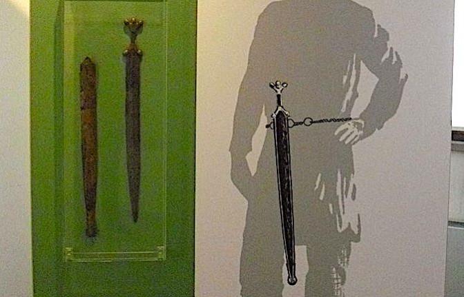 Rekonstruktion und Abdruck eines keltischen Schwerts wurden gestohlen. Foto: Wikipedia / FerdiBf / gemeinfrei